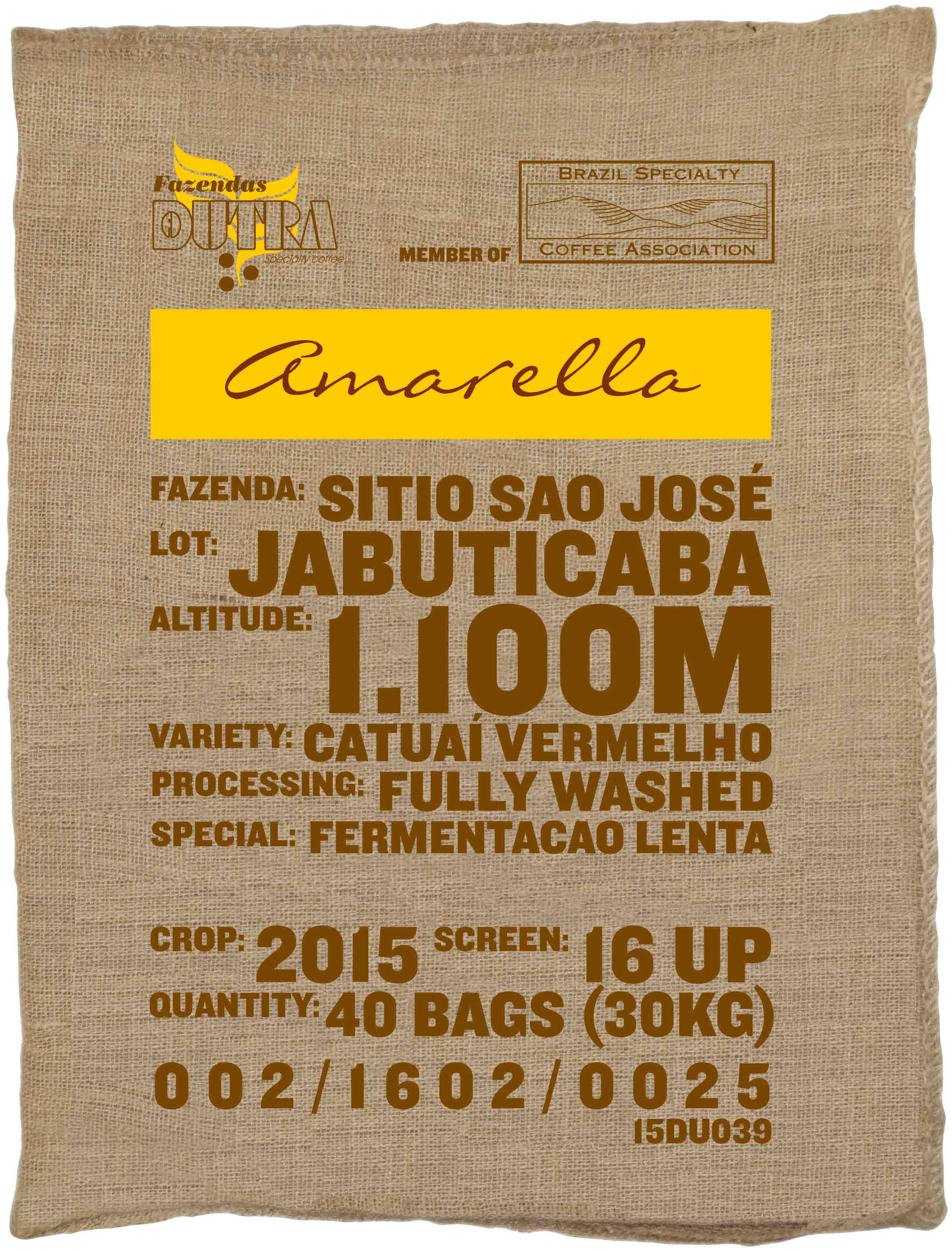 Ein Rohkaffeesack amarella Parzellenkaffee Varietät Catuai vermelho. Fazendas Dutra Lot Jabuticaba.
